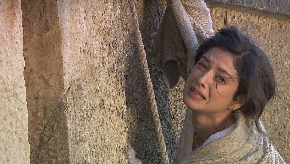 Candela pierde la vida en un intento de salvar a Carmelito