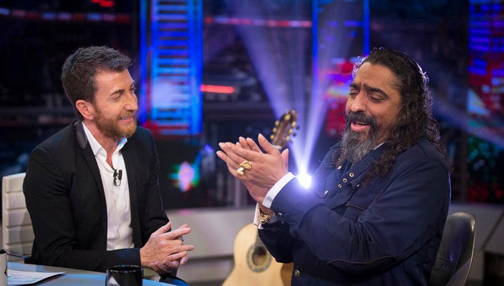 Diego el Cigala canta flamenco en vivo y en directo en 'El Hormiguero 3.0'