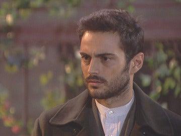 Saúl se presenta por sorpresa en casa de Julieta