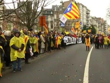 Unas 45.000 personas, según la Policía belga, marchan por Bruselas a favor de la independencia de Cataluña