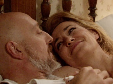 Julián y Matilde, pasión bajo las sábanas