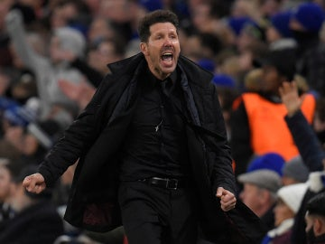 Simeone, durante el partido contra el Chelsea