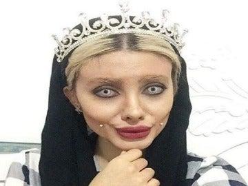 Sahar Tabar, la joven que pretendía convertirse en la doble de la actriz Angelina Jolie