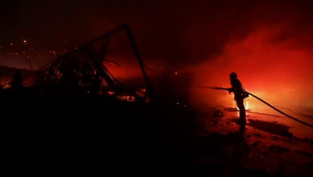 """Declarada la alerta de emergencia por """"peligro extremo de fuego"""" en el condado de Los Ángeles"""