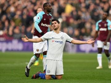 El West Ham deja al Chelsea fuera de la lucha por el título