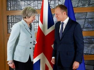 Theresa May, primera ministra de Reino Unido, y Donald Tusk, presidente del Consejo Europeo
