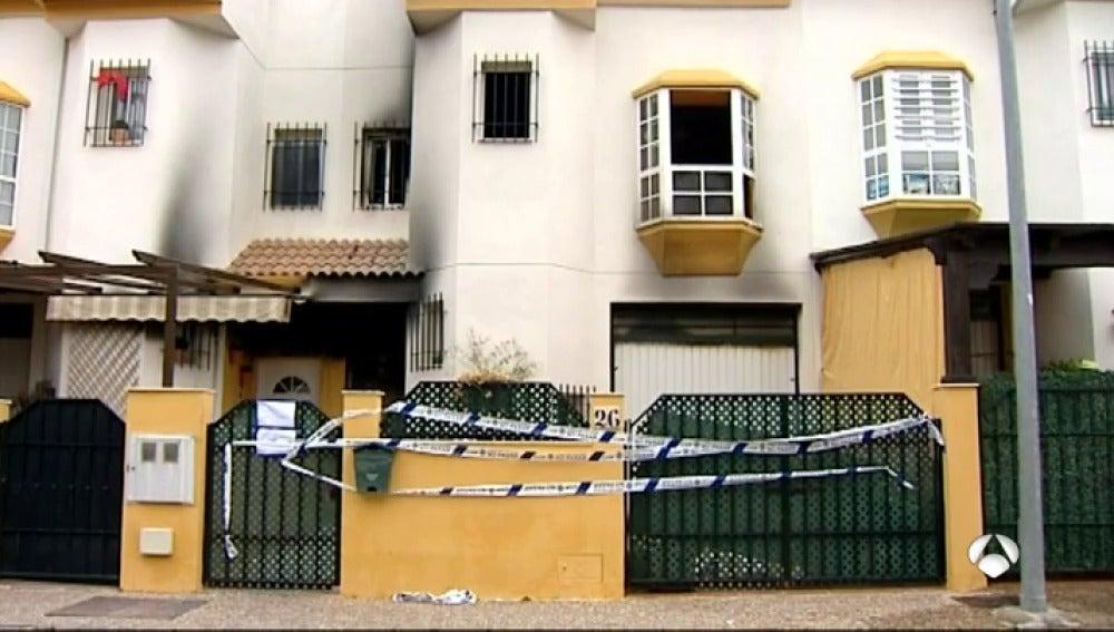 Muere un joven de 18 años y dos personas resultan heridas en un incendio en Antequera
