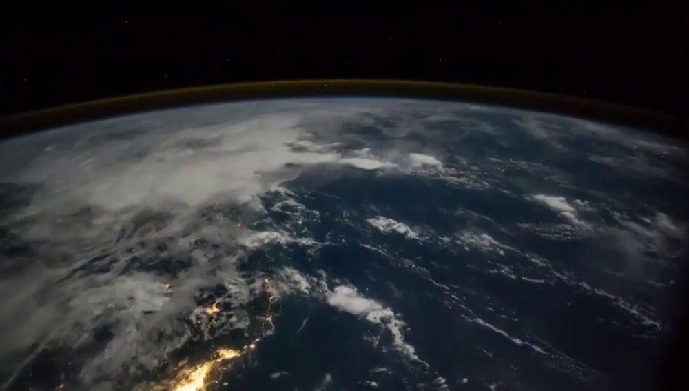 Los astronautas de la Estación Espacial Internacional comparten los espectaculares vídeos y fotografías que hacen desde el espacio