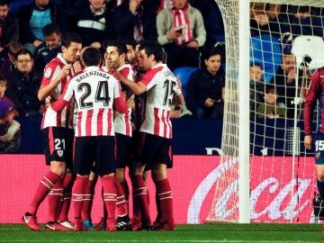 El Athletic celebra un gol contra el Levante
