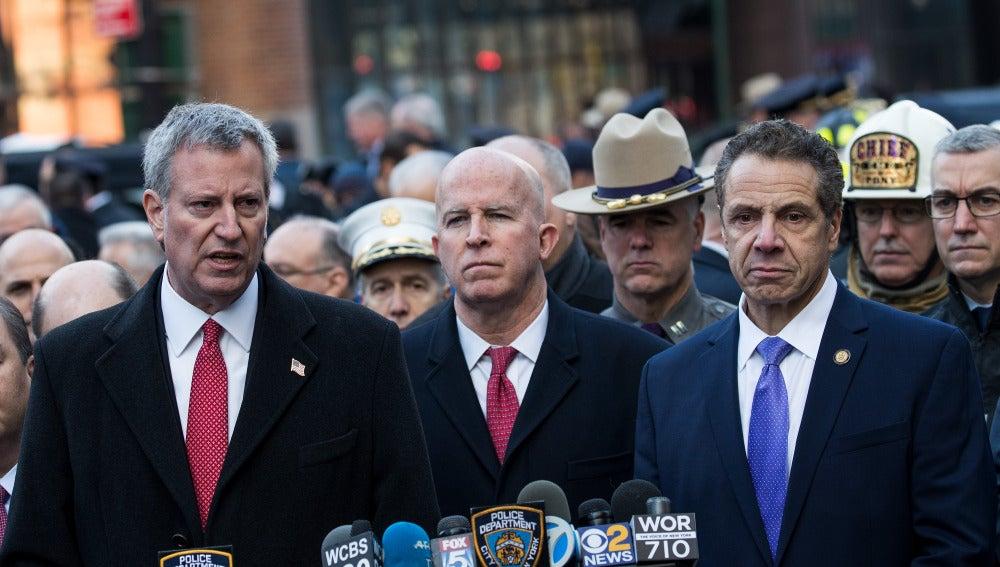 El alcalde de Nueva York, Bill de Blasio, el jefe de Policía, James O'Neill y el Gobernador, Andrew Cuomo