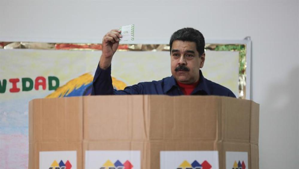 Nicolás Maduro vota en las elecciones municipales
