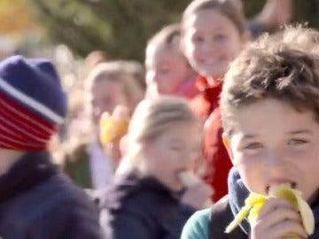 El plátano, una de las frutas más completas para los niños
