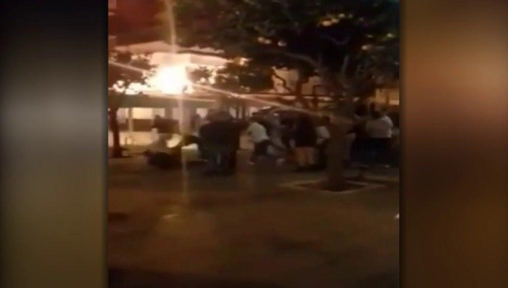 Batalla campal en la Línea de la Concepción durante las fiestas de la Patrona.