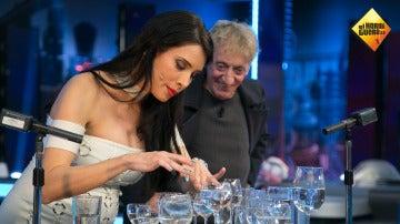 Pilar Rubio nos contagia el 'Himno de la Alegría' a ritmo de copas de agua