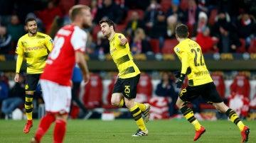 Sokratis celebra su gol ante el Mainz