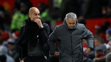 Pep Guardiola y José Mourinho, en Old Trafford