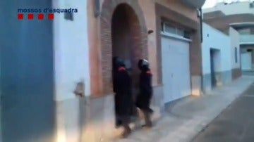 Operación contra un grupo criminal por blanqueo de capitales en Amposta