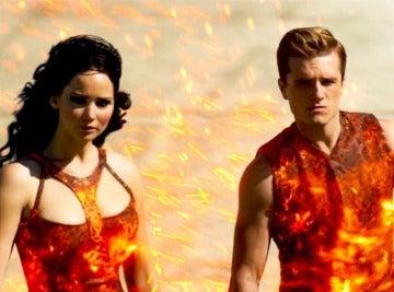 Katniss y Peeta en el Distrito 1