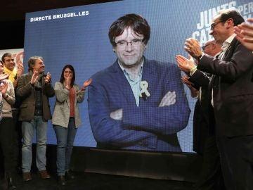 Por videoconferencia desde Bruselas, el presidente de la Generalitat cesado, Carles Puigdemont.