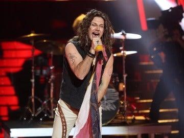 Un rockero Miquel Fernández hace arder el plató con 'Dream on' de Aerosmith