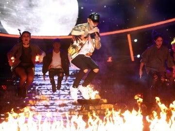 Fran Dieli anima el plató al ritmo de 'Love yourself' y 'Sorry' de Justin Bieber