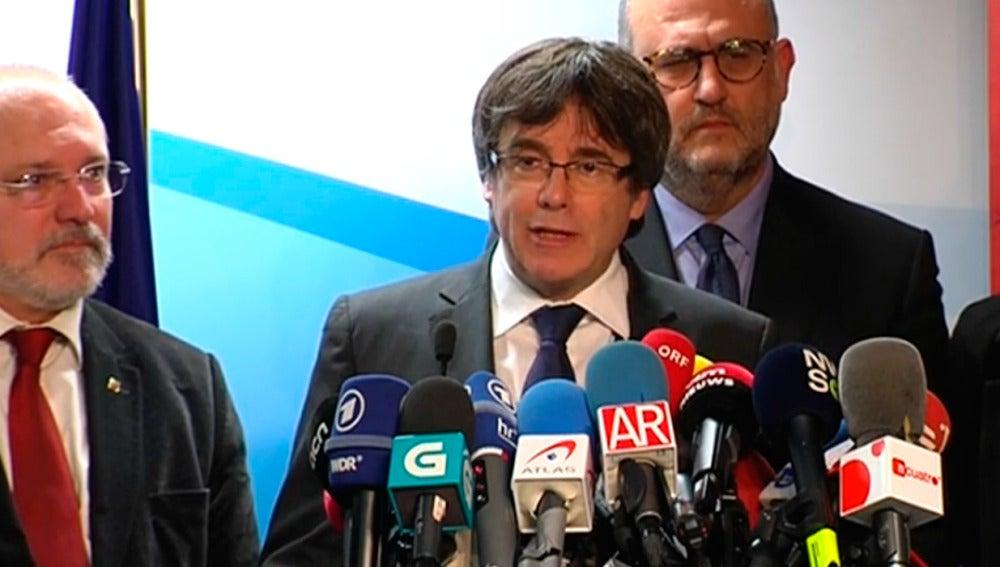 Carles Puigdemont en una rueda de prensa desde Bruselas