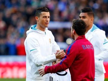 Messi y Ronaldo antes del partido