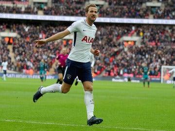 Harry Kane celebra uno de sus goles con el Tottenham