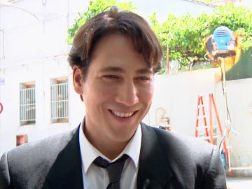 """Alberto Ammann, sobre su personaje en 'Apaches': """"Miguel tratará de salvar a su familia"""""""