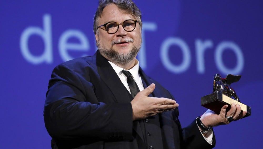 Guillermo del Toro se lleva el León de Oro en la 74º edición del festival de Venecia
