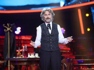 Santiago Segura sorprende como Kenny Rogers en 'The gambler'