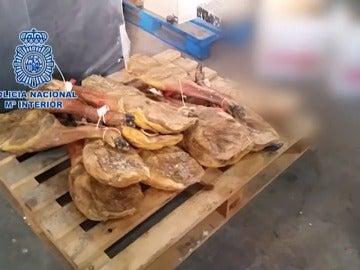 Recuperados casi 1.000 jamones ibéricos, embutidos y quesos robados
