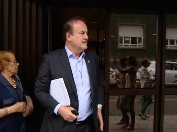 Acusan al alcalde de Firgas de suplantar a su hijo en un examen