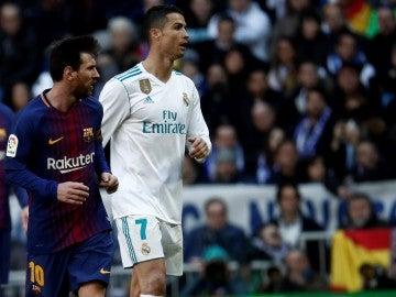 Messi y Cristiano Ronaldo, durante el Clásico
