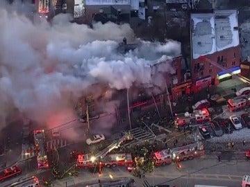 Doce heridos en un incendio que ha afectado a un bloque de apartamentos en Nueva York