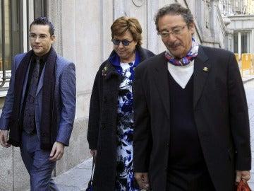 Pilar Barreiro a su entrada al Tribunal Supremo en marzo de 2015
