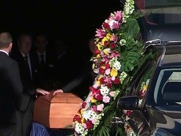 Familiares y amigos despiden a Diana Quer en el velatorio antes de su entierro