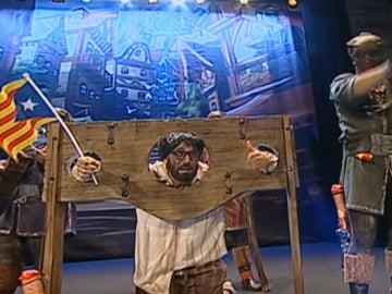 Momento de la actuación de 'La familia verdugo'