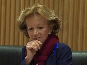 Elena Salgado indica que gestionó la crisis con el fin de proteger a España de un rescate bancario