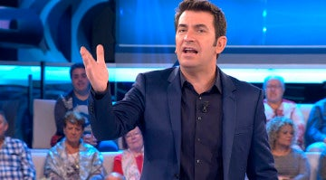 La divertida batalla de chistes malos de Arturo Valls y una concursante
