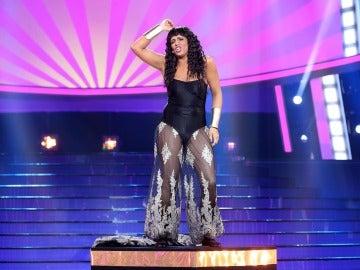 Lucía Jiménez trae la energía de Irene Cara en su éxito 'Fame'