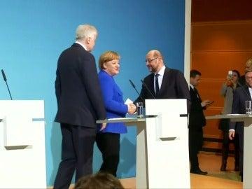 Principio de acuerdo entre Merkel y Schulz para una futura gran coalición, según medios alemanes