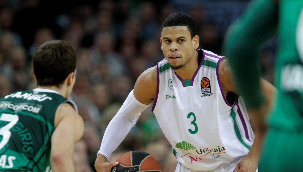 Ray McCallum, en acción ante el Zalgiris