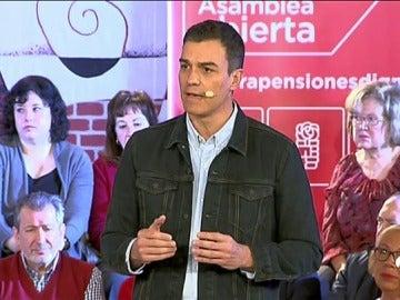 """Pedro Sánchez, dispuesto a eliminar """"cualquier tipo de privilegio"""" de los políticos"""