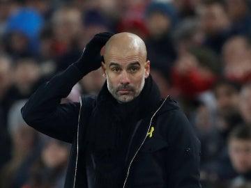 Guardiola durante el encuentro del Liverpool