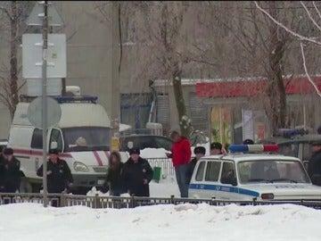 Al menos catorce niños y una profesora heridos en una pelea con cuchillos en un colegio de Rusia