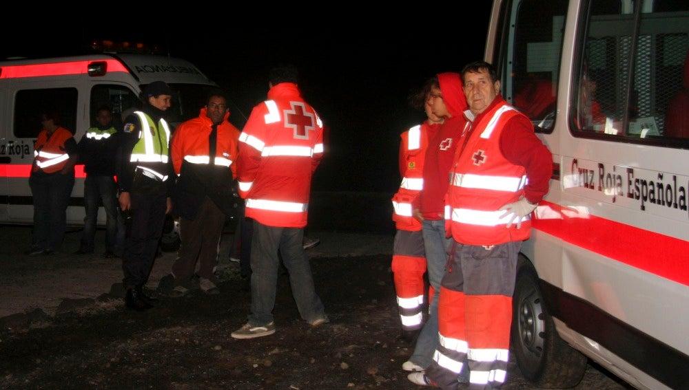 Siete muertos en una patera encallada en la costa de Lanzarote