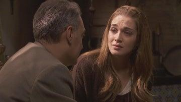 Julieta se apoya en su padre para dejar Puente Viejo