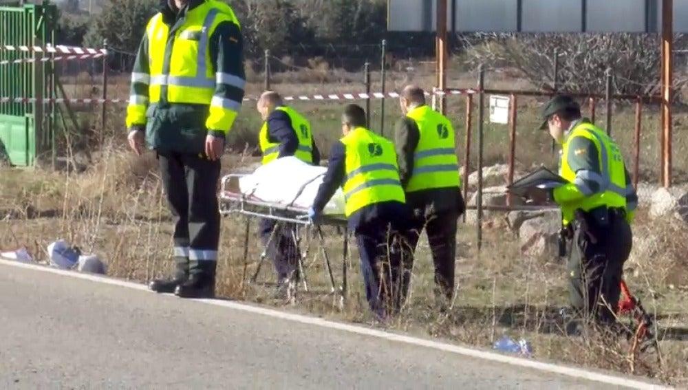 Encuentran el cuerpo de una joven de 17 años en la cuneta de la M-117 con signos de atropello