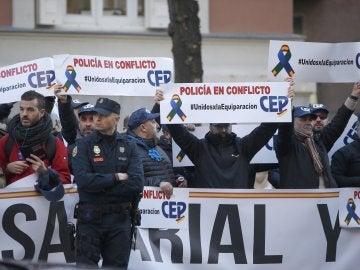 Miembros de los sindicatos policiales y asociaciones de la Guardia Civil